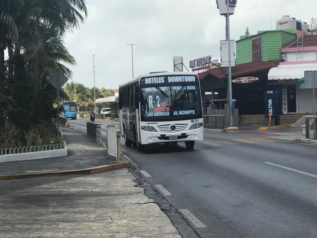 メキシコ カンクン ホテルゾーン バス