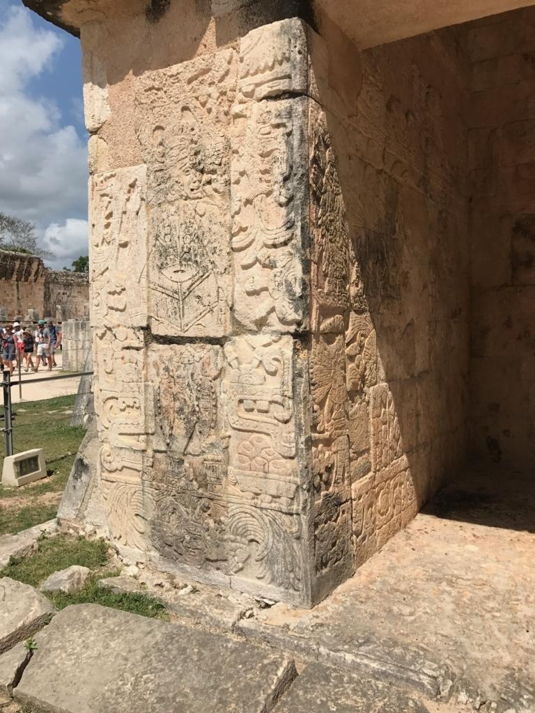 メキシコ チチェン・イッツァ遺跡 ジャガーの神殿 レリーフ