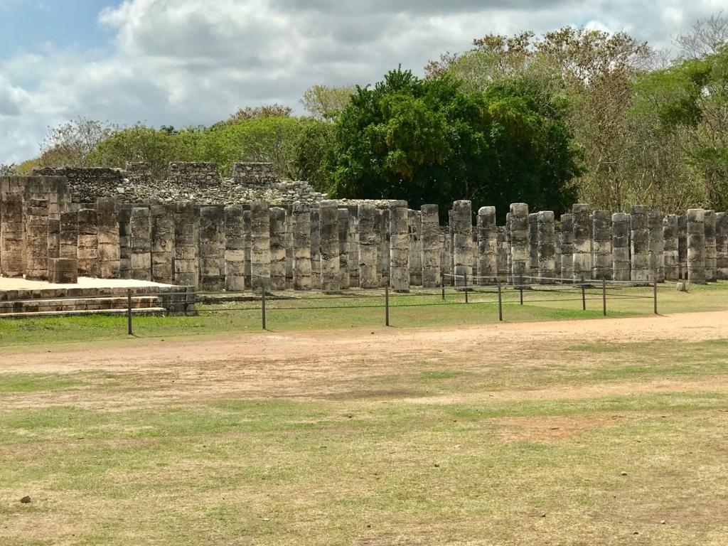 メキシコ チチェン・イッツァ遺跡 戦士の神殿 (千本柱の神殿)