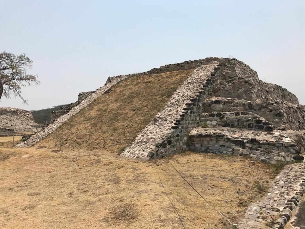 メキシコ ソチカルコ遺跡 発掘途中