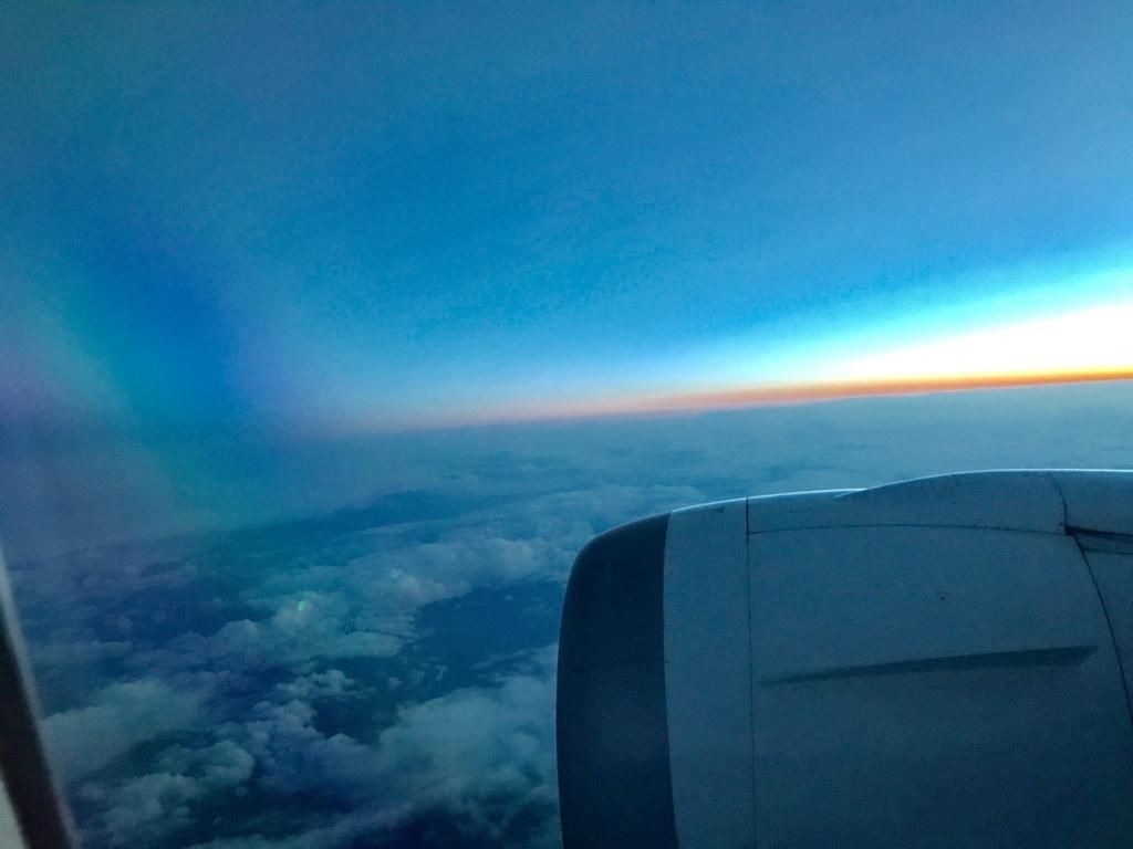 メキシコシティ-成田 ANA0179便 窓の外は、夜明け
