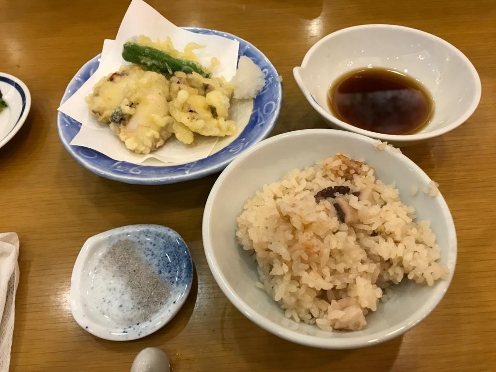 「休暇村 大久野島」タコ会席 揚物:蛸の天ぷら、ご飯:蛸釜めし