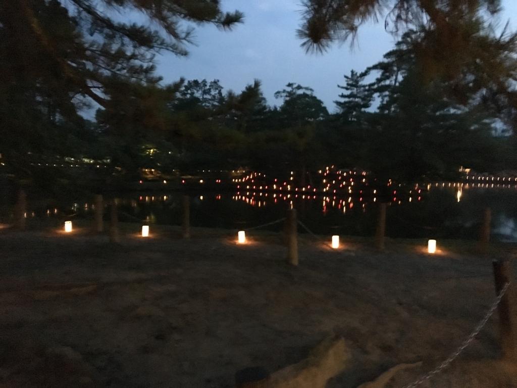 奈良県東大寺「大仏殿夜間参拝」ライトアップ たくさんのコップに灯り