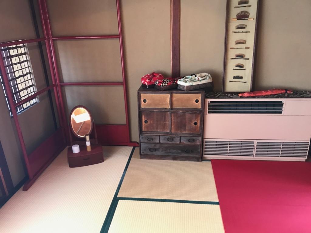 金沢 ひがし茶屋街 「懐華楼」 2階 「芸妓の離れ控え室」