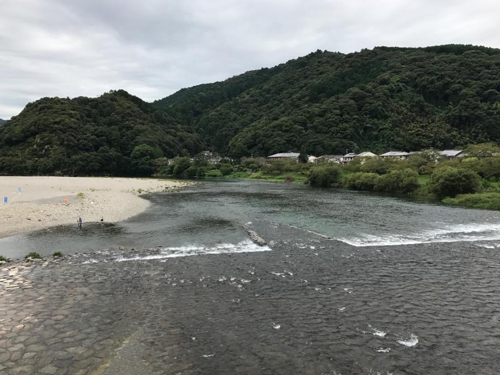 山口県 岩国「錦帯橋」横断中 下を流れるのは錦川