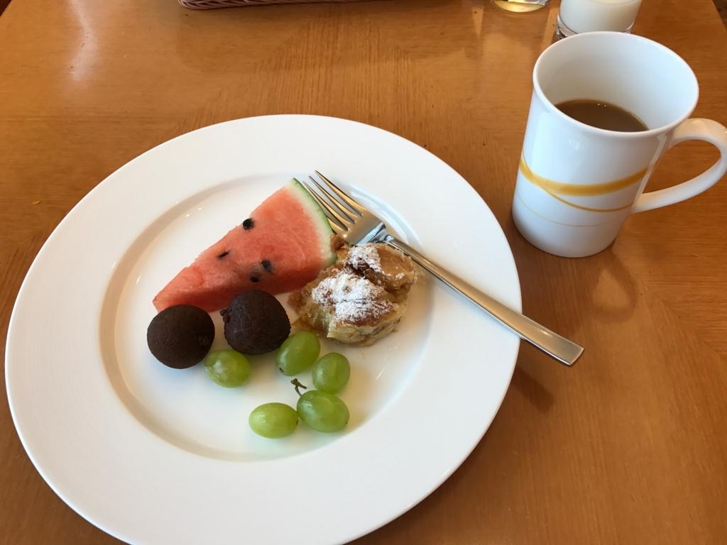 「シェラトングランドホテル広島」Lobby階ブリッジ 朝食ビュッフェ で朝食 デザート