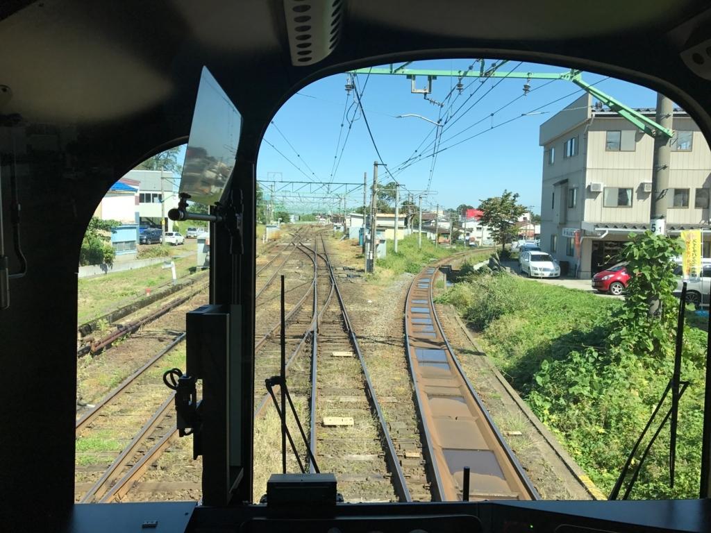 えちごトキめき鉄道 二本木駅 スイッチバック 専用線から駅へ