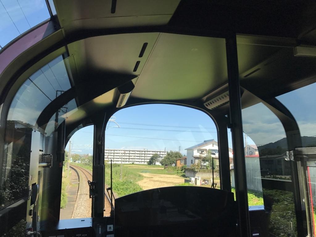 えちごトキめき鉄道 「雪月花」2号車 ハイデッキ席から運転席