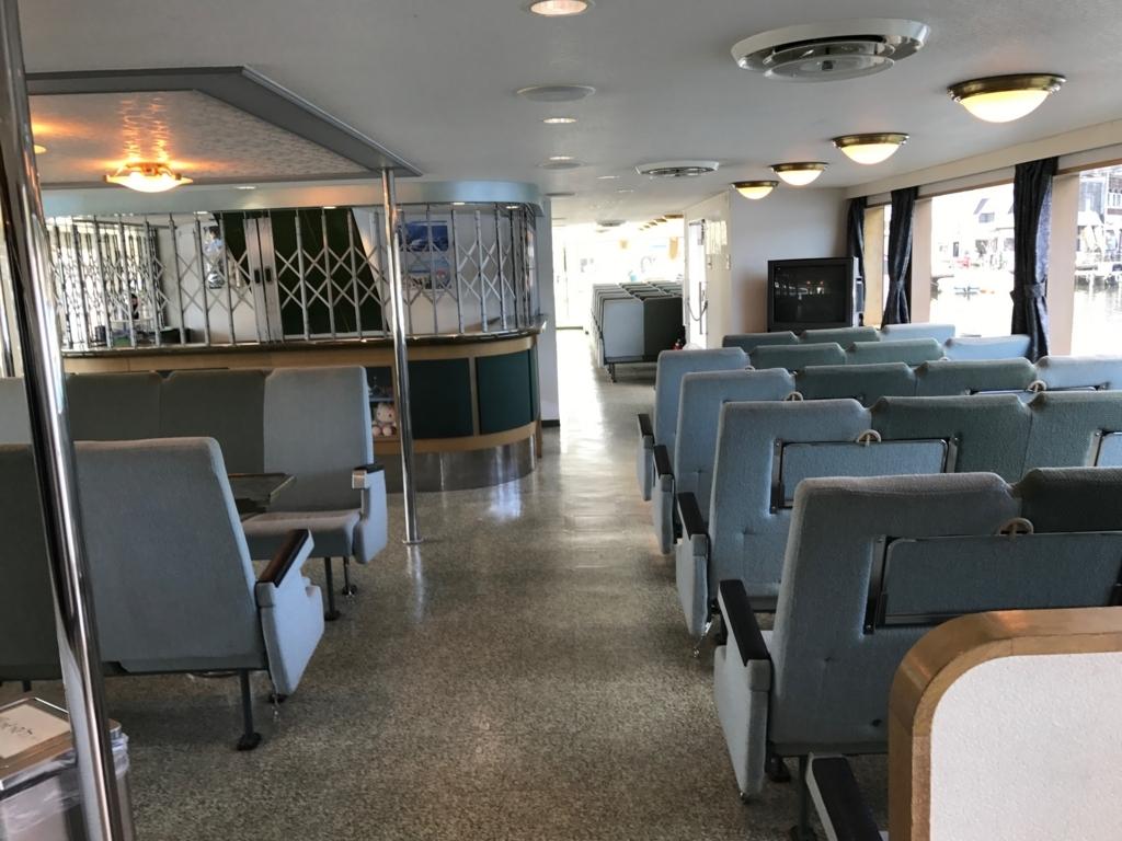 f2017年9月 野尻湖 遊覧船「雅」1階2等席