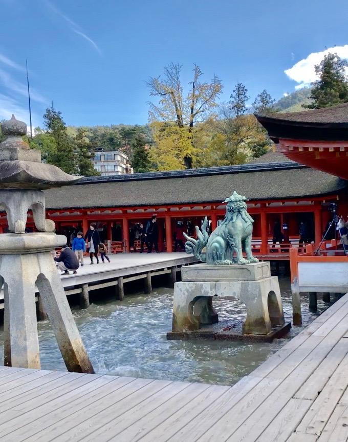広島県 宮島 厳島神社 満潮 狛犬 波があたる