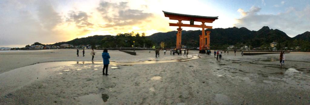 広島県宮島 厳島神社 干潮60cm 干潮後5分後 海側から大鳥居