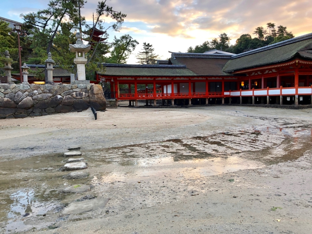 広島県宮島 厳島神社 干潮60cm 浜から参道