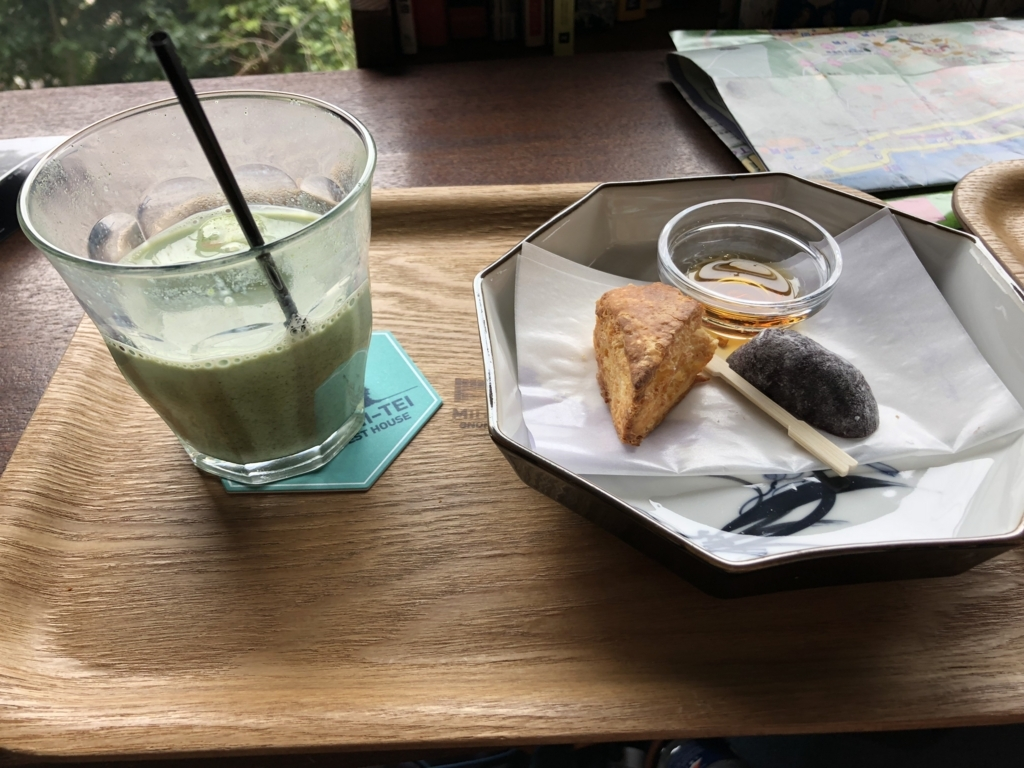 広島県 尾道 ゲストハウス 「みはらし亭」 cafe 休憩中