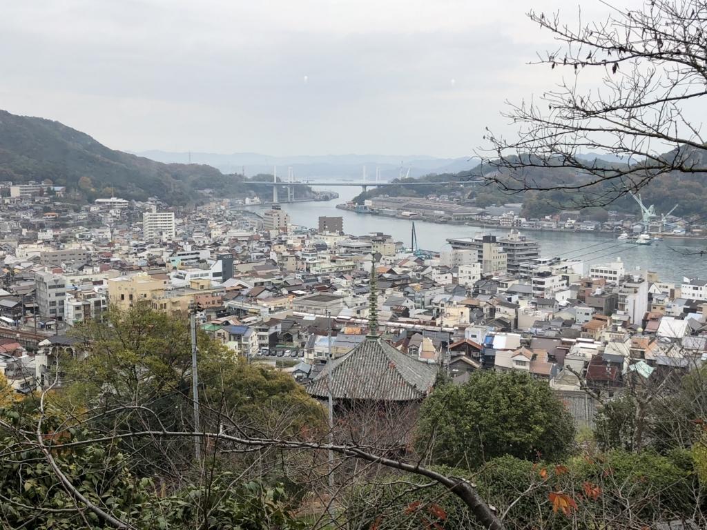 広島県 尾道 ゲストハウス 「みはらし亭」 から 瀬戸内海の島々 と 新尾道大橋