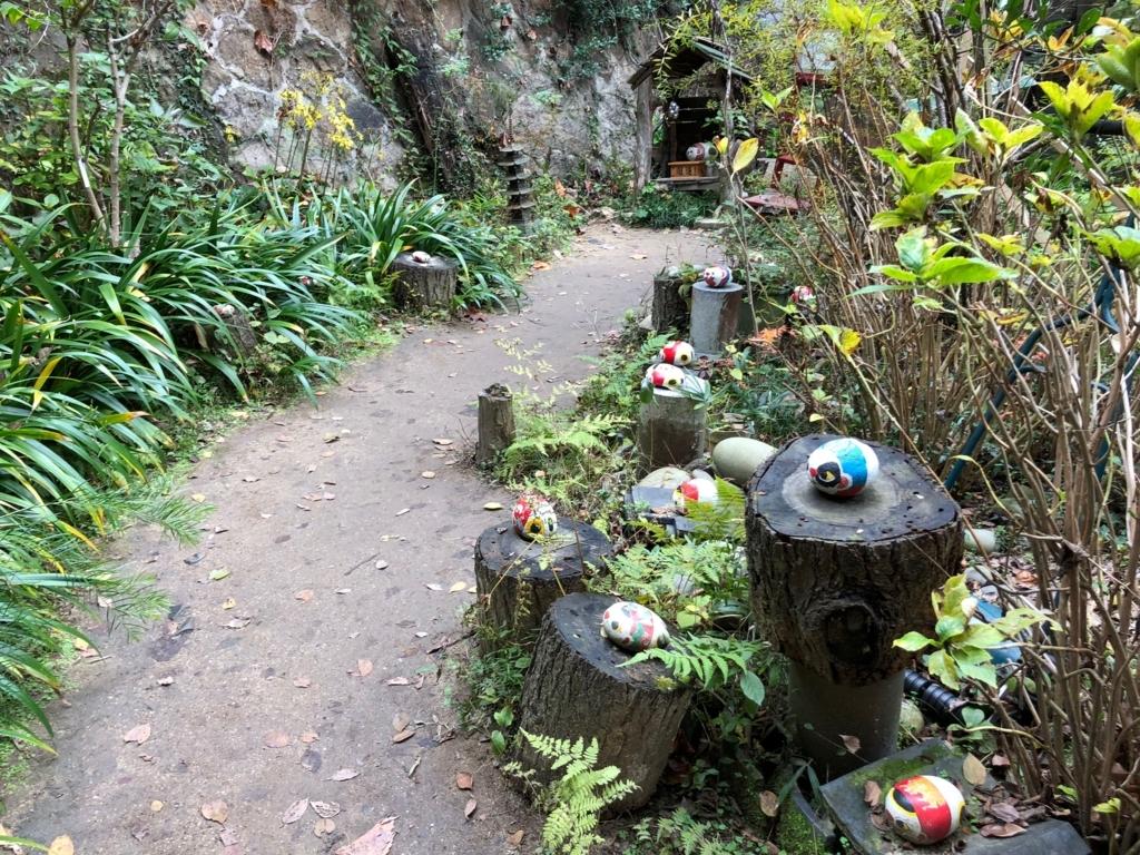 広島県 尾道 「猫の細道」たくさんの 福石猫 「梟の館」下