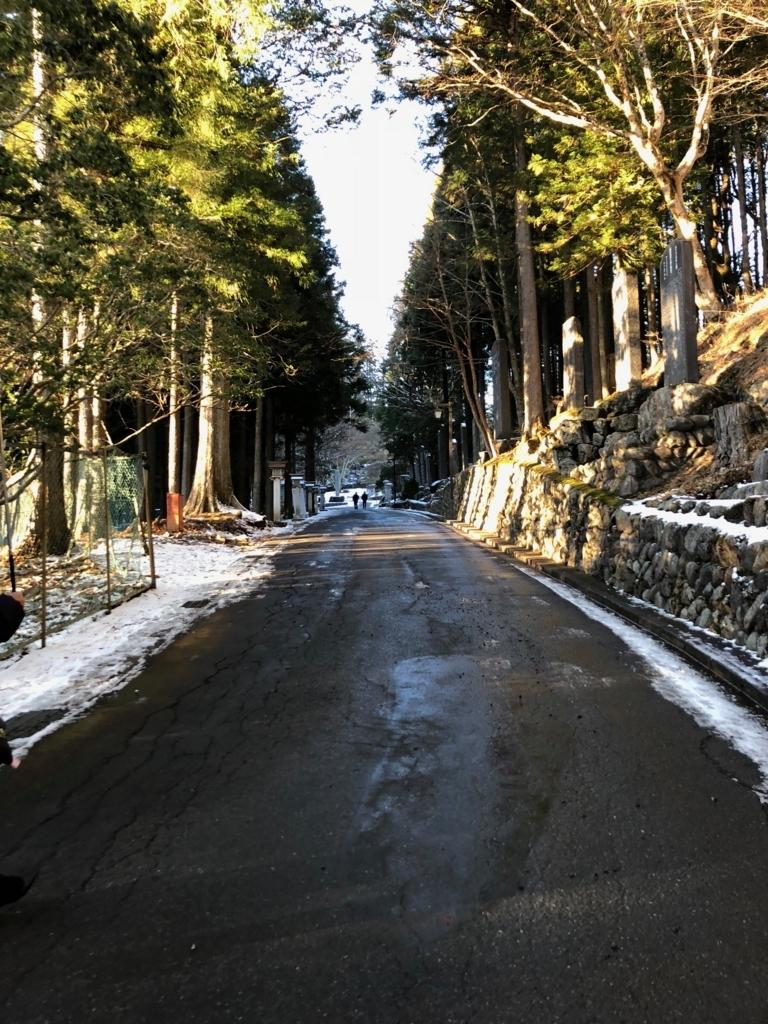 奥秩父 三峰神社 三ツ鳥居 から 拝殿までの道