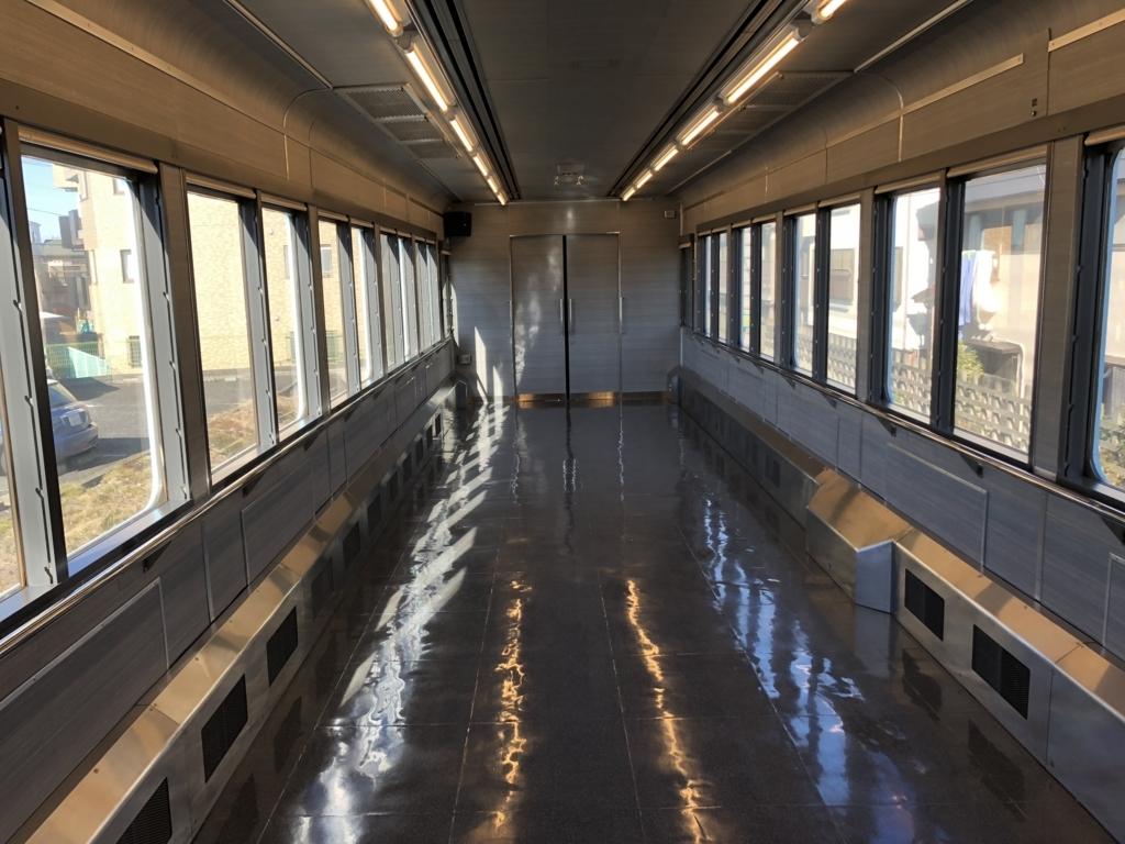 西武鉄道『西武 旅するレストラン「52席の至福」』1両目 車内 イベント車両