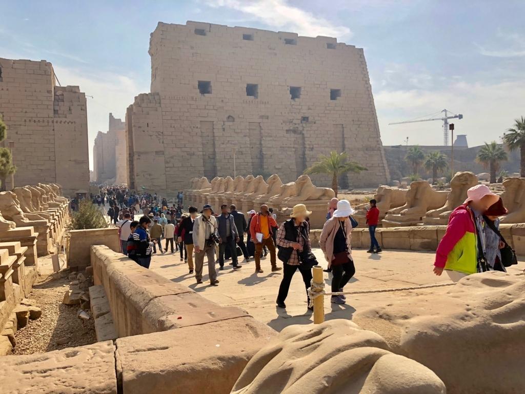 エジプト ルクソール カルナック神殿複合体 アメン神殿 スフィンクスの参道