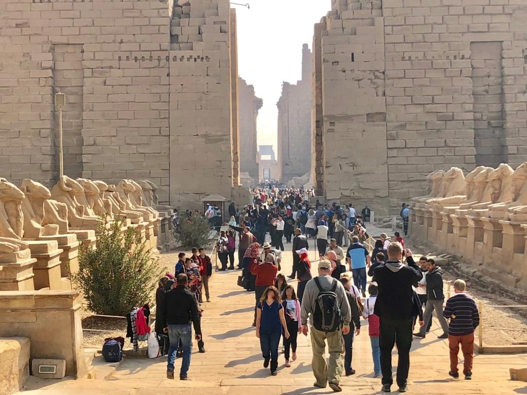 エジプト ルクソール カルナック神殿複合体 アメン神殿 の第一塔門