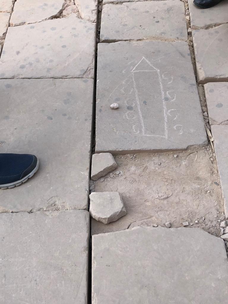 エジプト ルクソール カルナック神殿複合体 アメン神殿 オベリスク製造説明