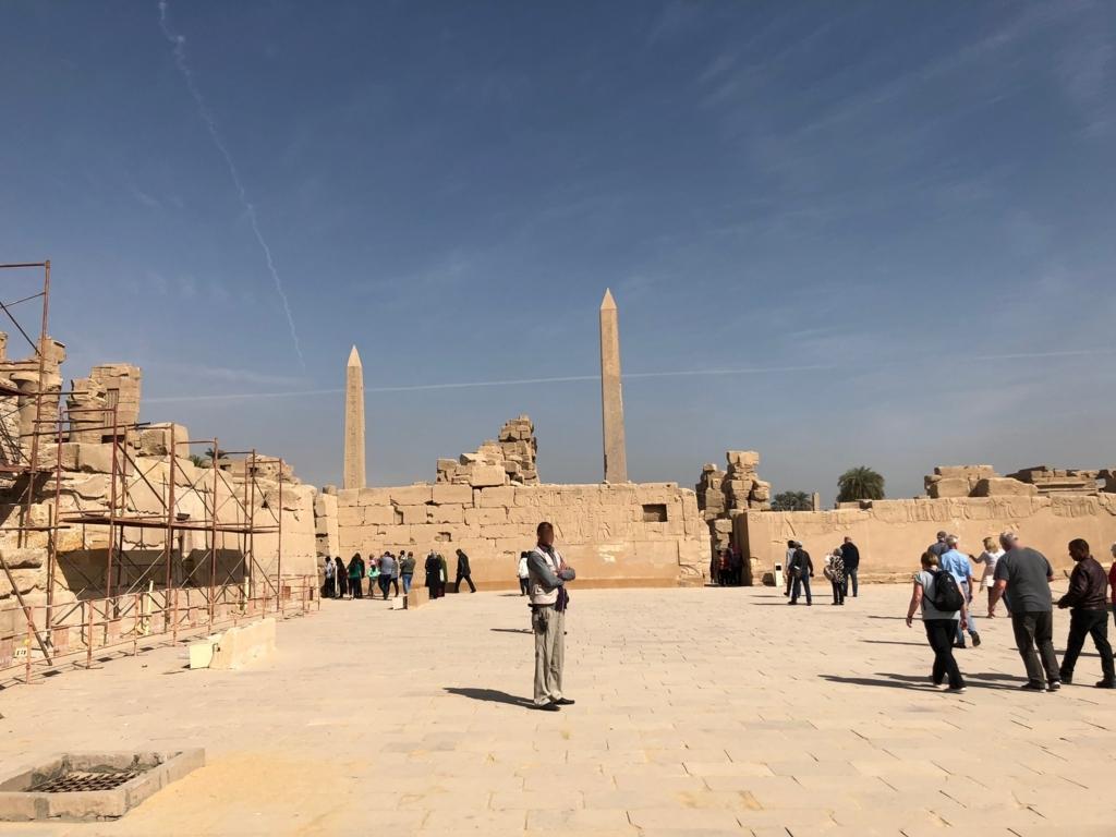 エジプト ルクソール カルナック神殿複合体 アメン神殿 聖池より 2本のオベリスク