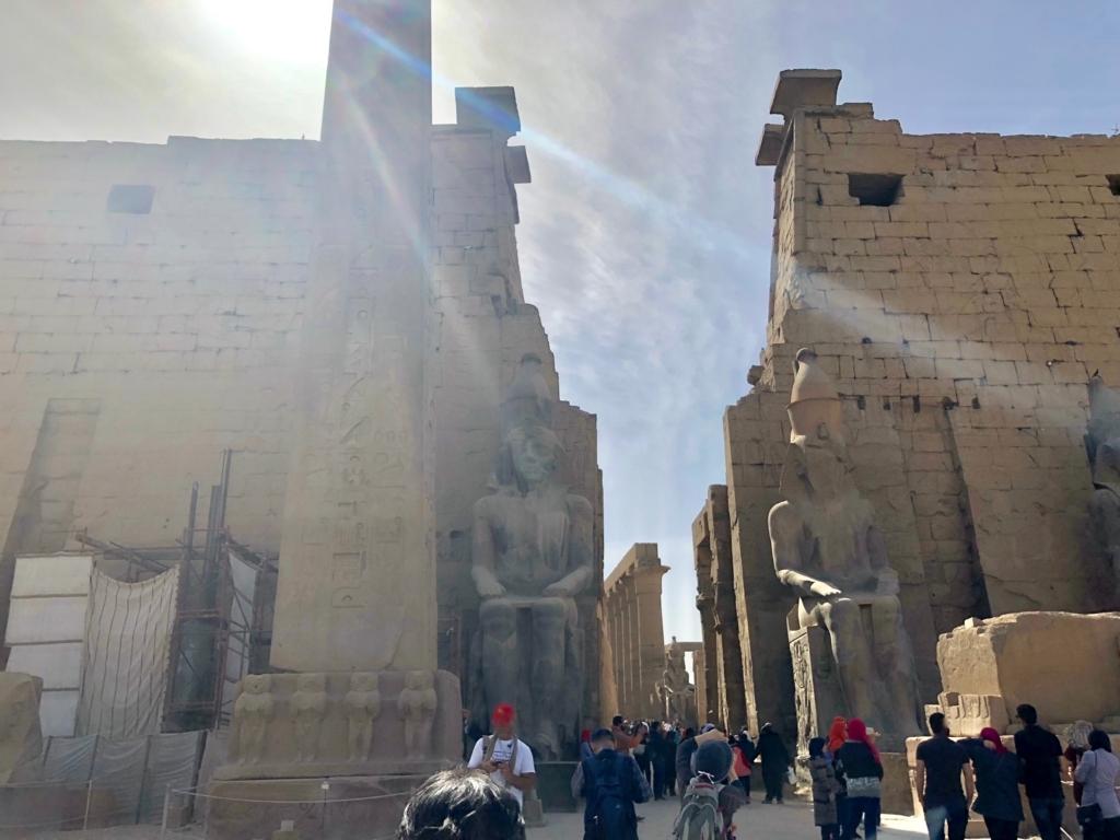 エジプト ルクソール ルクソール神殿到着