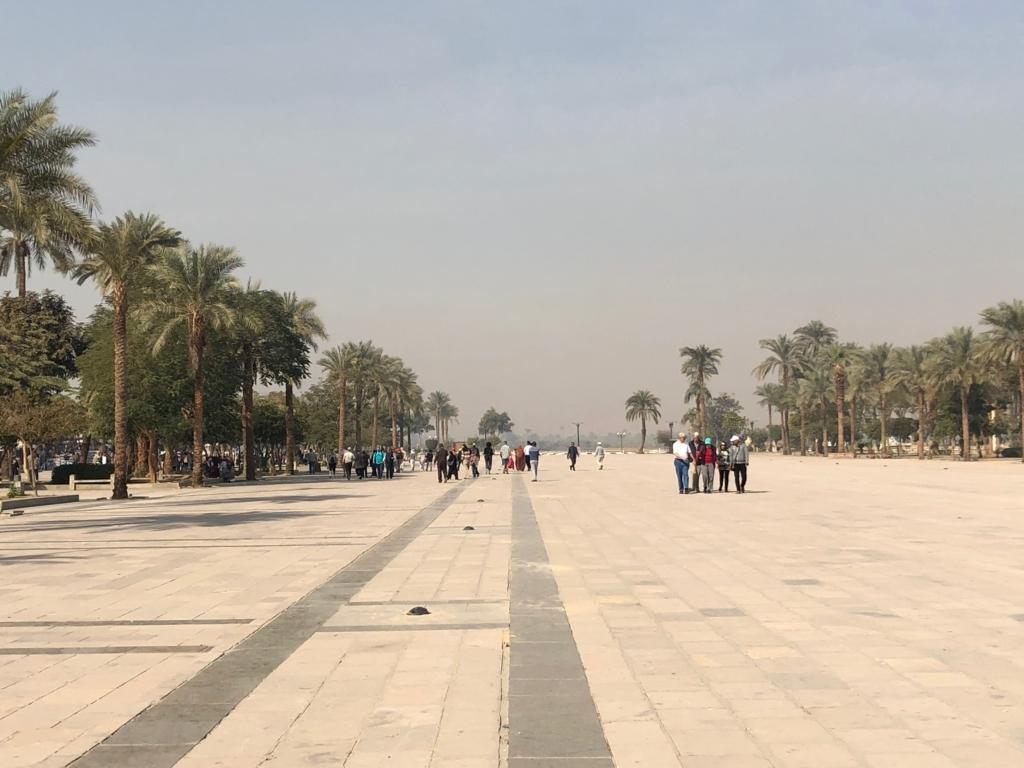 エジプト ルクソール カルナック(アメン)神殿 広場