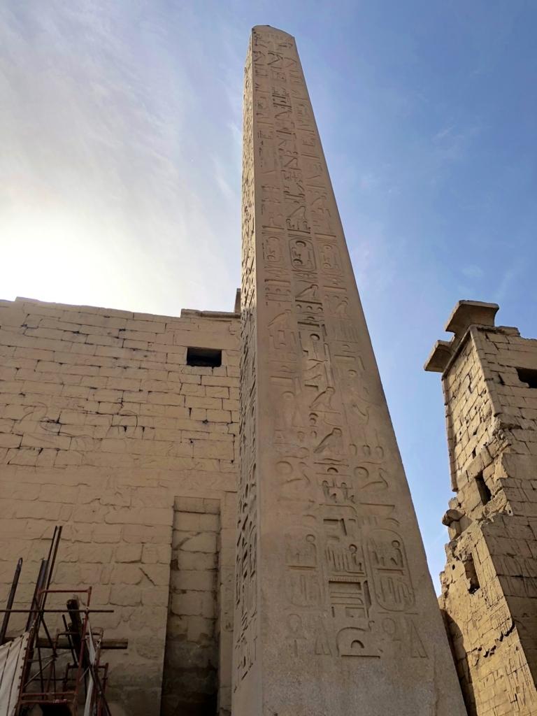 エジプト ルクソール東岸 ルクソール神殿 第一塔門 残ったオベリスク