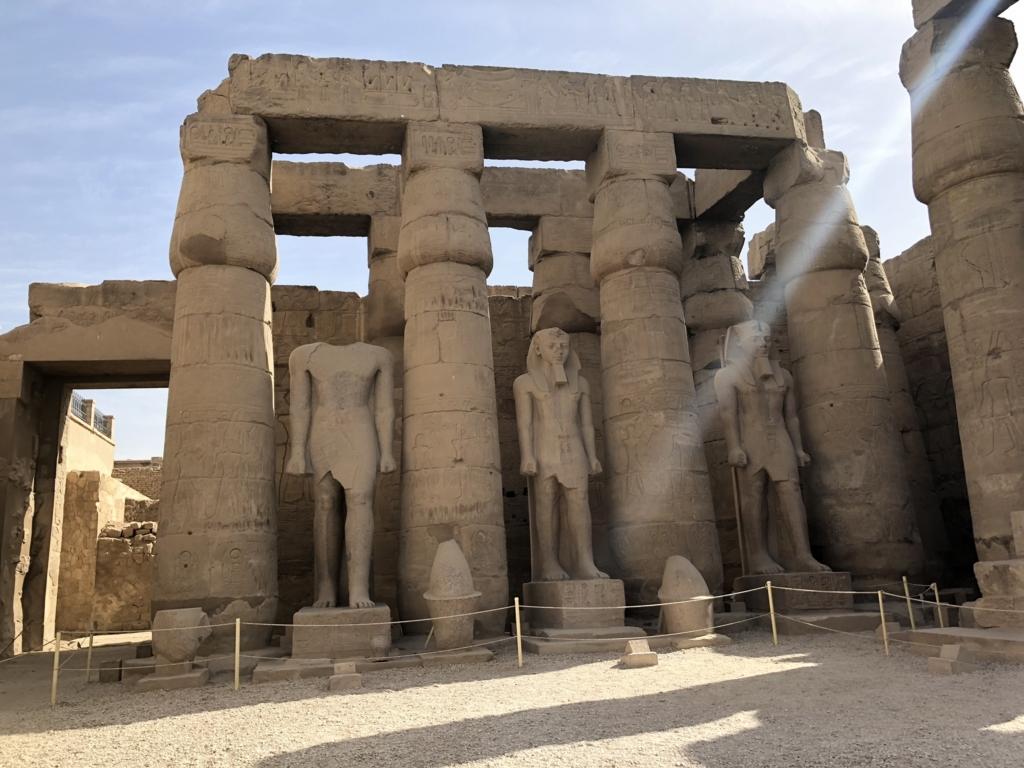 エジプト ルクソール東岸 ルクソール神殿 第一中庭