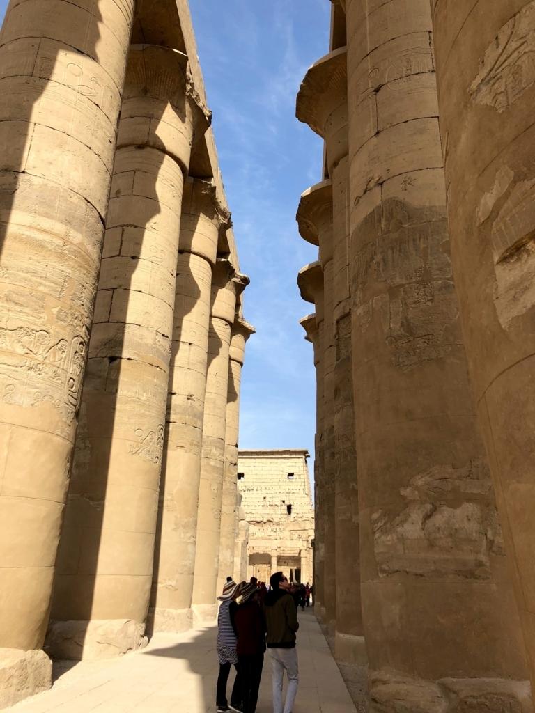 エジプト ルクソール東岸 ルクソール神殿 大列柱廊