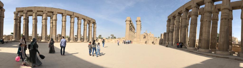 エジプト ルクソール東岸 ルクソール神殿 太陽の中庭 パノラマ写真