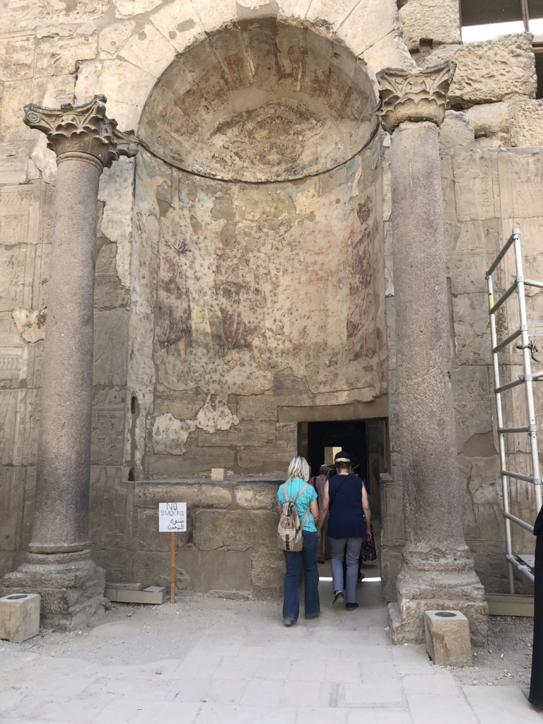 エジプト ルクソール東岸 ルクソール神殿 至聖所 入り口