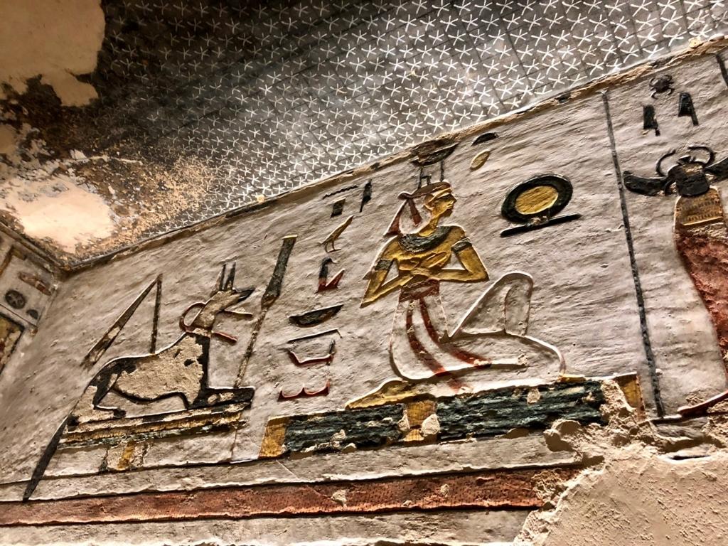 エジプト ルクソール 「王家の谷」ラムセス3世 王墓 通路 壁画と天井