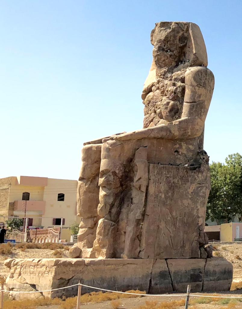 エジプト ルクソール西岸 「メムノンの巨像」左側像