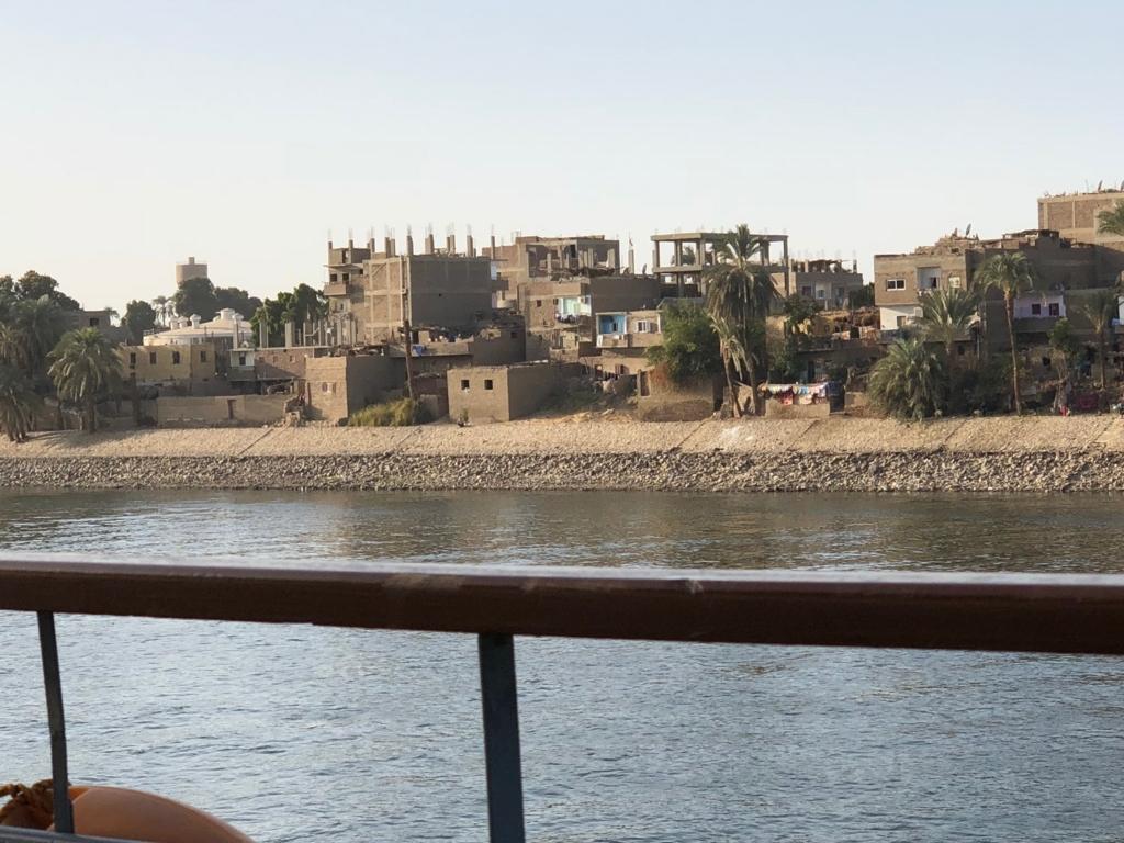 エジプト ナイル川 ルクソール周辺 住宅