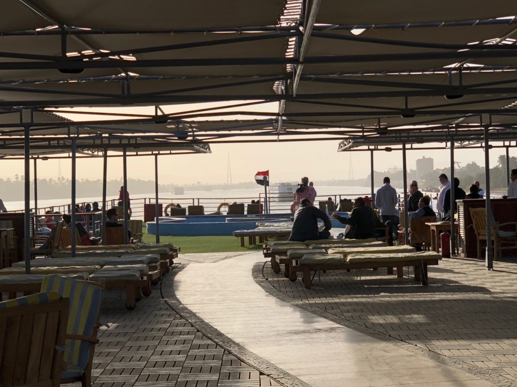 エジプト ナイル川 クルーズ船 MS/PREMIUM ティータイム 展望デッキ