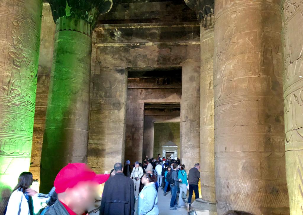 エジプト エドフ ホルス神殿(エドフ神殿)列柱室