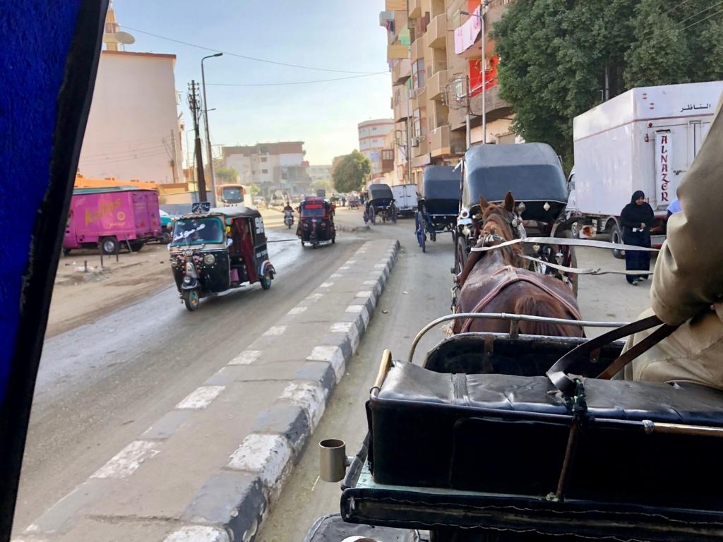 エジプト エドフの街 朝9時前