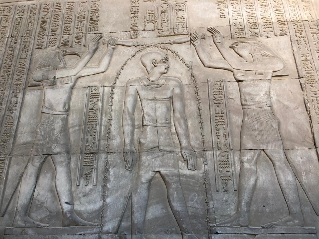 エジプト コムオンボ 「コムオンボ神殿」トト神とホルス神
