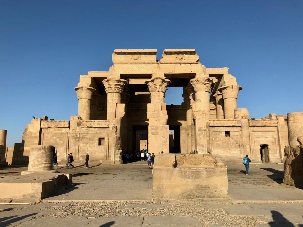 エジプト コムオンボ 「コムオンボ神殿」2重構造の塔門