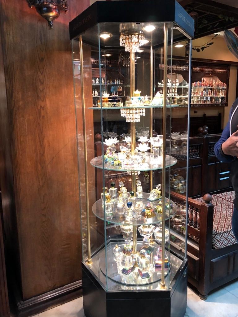 エジプト アスワン 香水(アロマ)屋さん「KYPHI PERFUMES」高価な香水瓶
