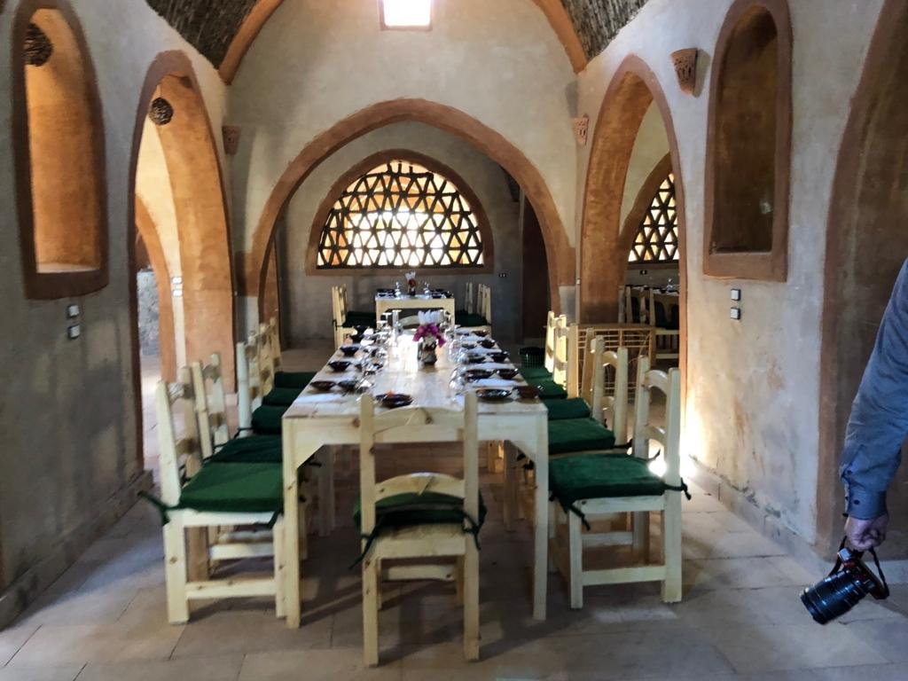 エジプト ナセル湖畔 「Eskaleh Nubian Ecolodge」 レストラン 隣のお席