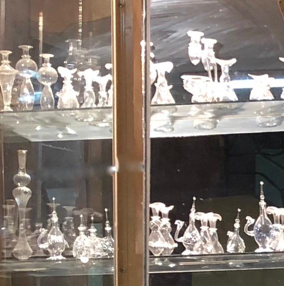 エジプト アスワン 香水(アロマ)屋さん「KYPHI PERFUMES」香水瓶