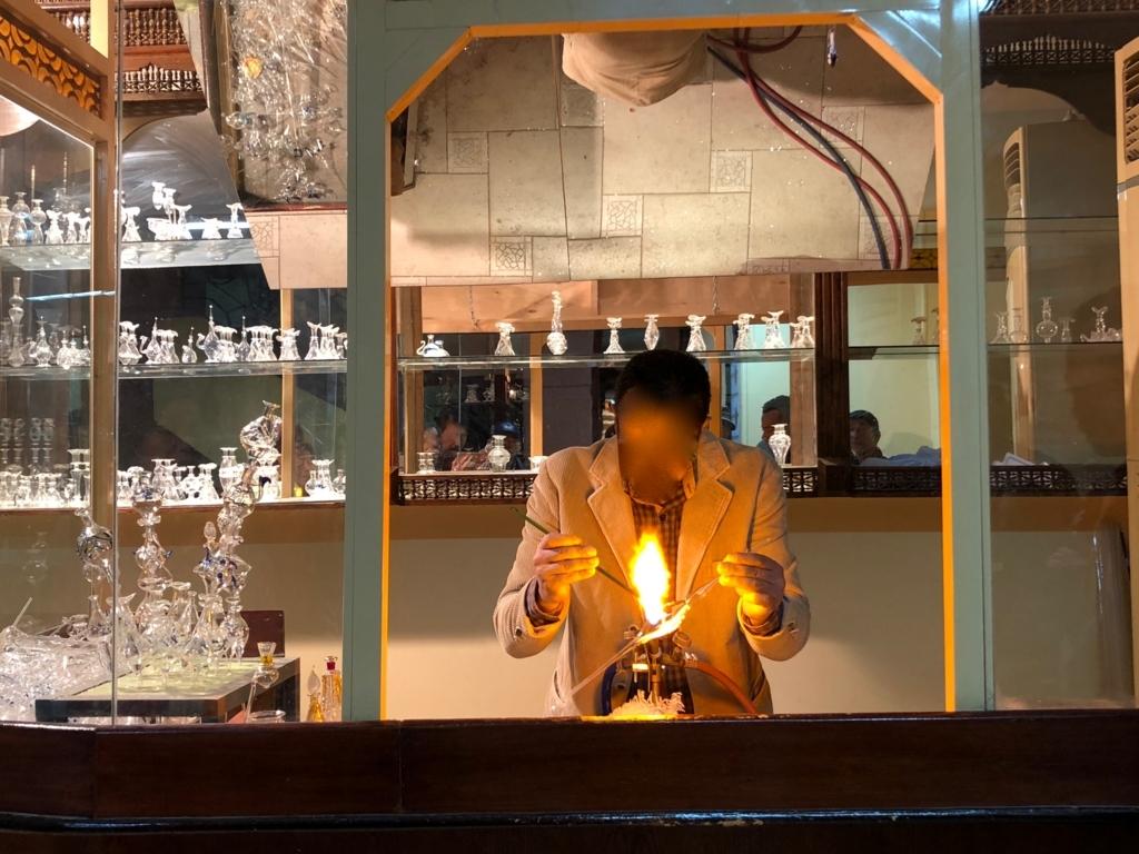 エジプト アスワン 香水(アロマ)屋さん「KYPHI PERFUMES」香水瓶作り 実演