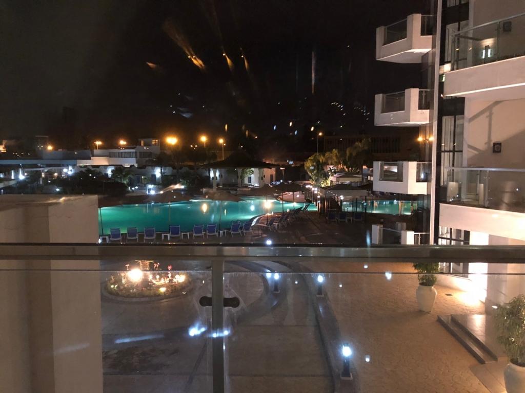 エジプト カイロ TEINGENBERGER CAIRO PYRAMID(カイロ ピラミッズ ホテル)  部屋からの風景 深夜近く