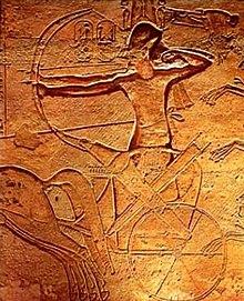 エジプト 南部 アブシンベル神殿 大神殿内 大列柱室 壁画 「ガデシュの戦い」by ja.wikipedia.org