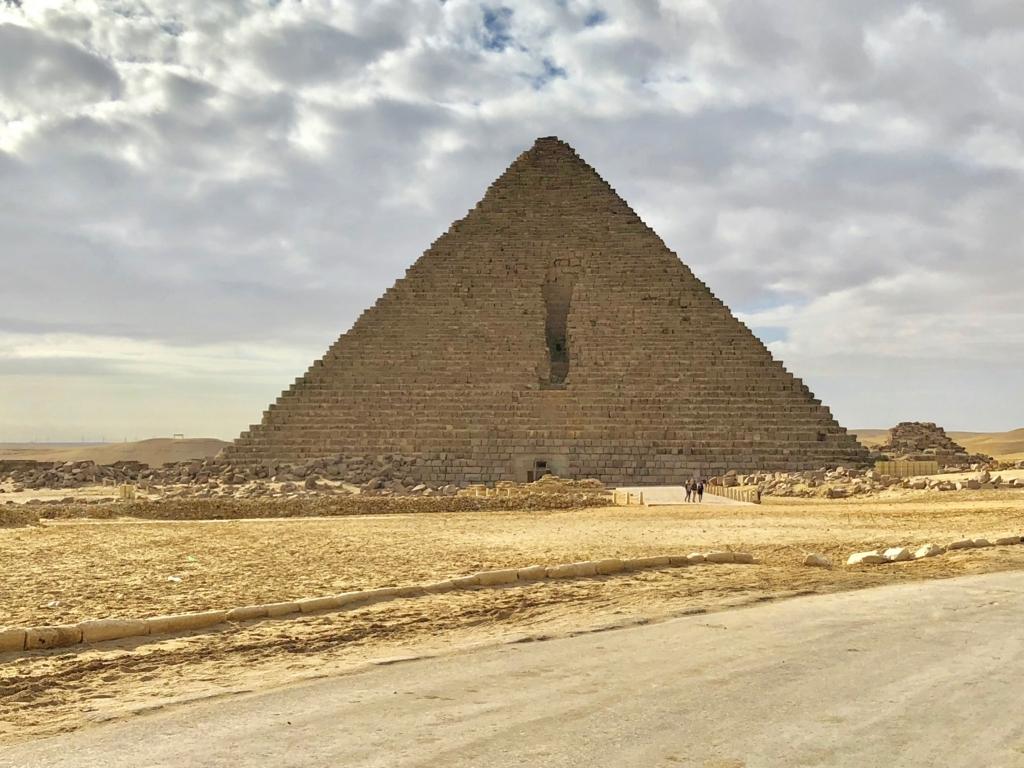 エジプト ギザ メンカウラー王 ピラミッド