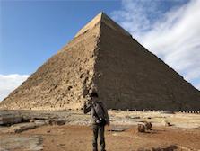 エジプト ギザ カフラー王 ピラミッド 記念撮影