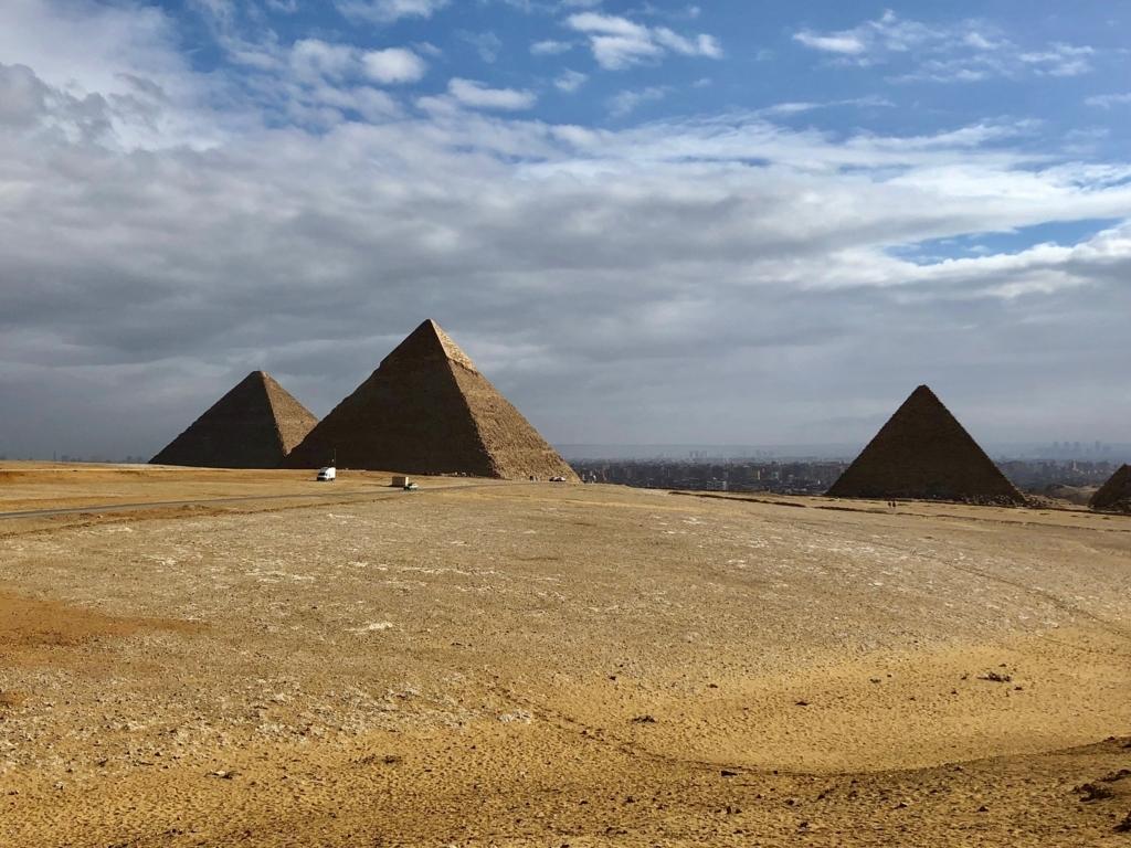 エジプト ギザ 3大ピラミッド「パノラマポイント」 からの 眺め