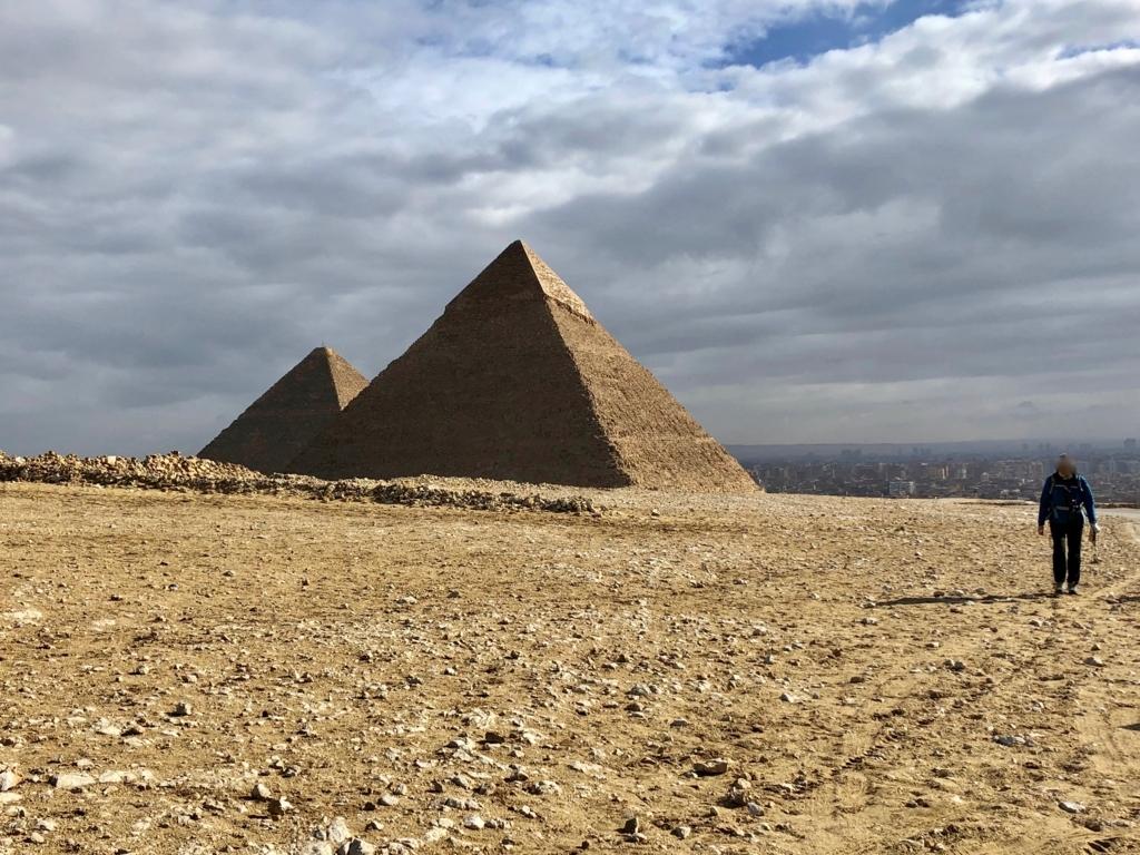 エジプト ギザ 3大ピラミッドから「パノラマポイント」へ移動中